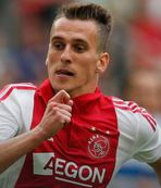 Napoli sign Poland forward Milik from Ajax