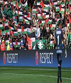 İsrail ekibine bayraklı protesto