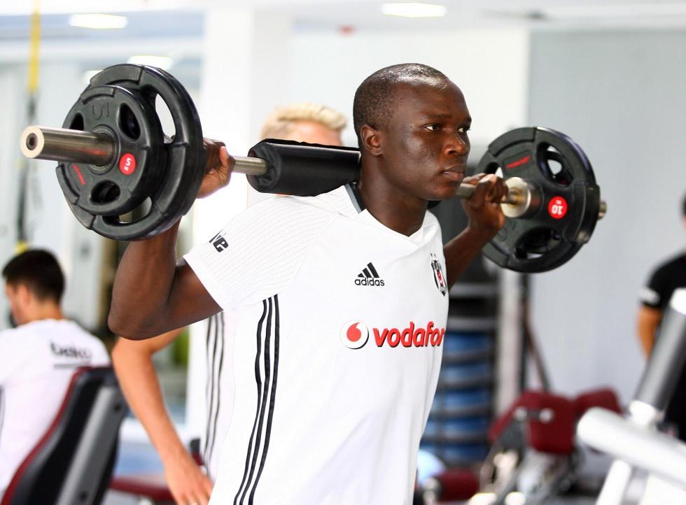 Aboubakar ilk antrenman�na ç�kt�