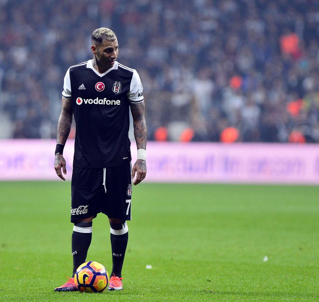 Beşiktaş'ın Benfica karşısındaki 11'i belli oldu