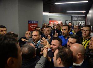 Vodafone Arena koridorları karıştı