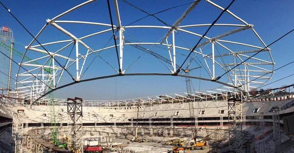 Vodafone Arena'da çat� kald�r�ld�