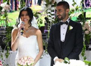Sel�uk �ahin evlendi