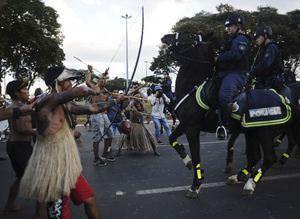 Brezilyal� yerlilerden D�nya Kupas� protestosu