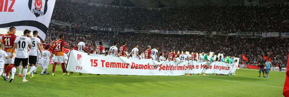 Beşiktaş - Galatasaray maçında kareler!