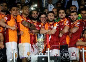 Galatasaray'�n �dedi�i para dudak u�uklat�yor!
