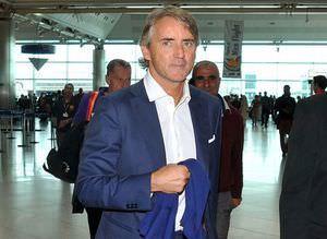 Mancini geldi, Twitter y�k�ld�