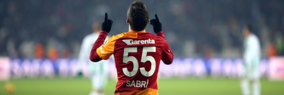 Sabri Sarıoğlu performansı ile Twitter'ı salladı!