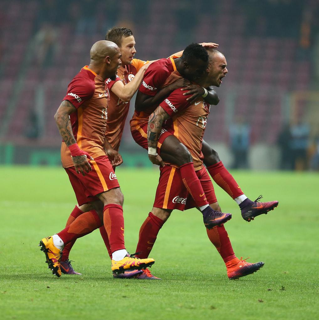 Sneijder aylar sonra golle buluştu