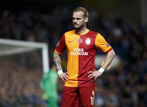 Sneijder'e tepki ya��yor