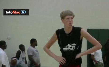 NBA 15 ya��ndaki bu gencin pe�inde