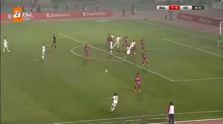 Pandev'den 45 dakikada hat-trick