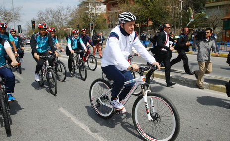 Cumhurba�kan� Erdo�an pedal �evirdi