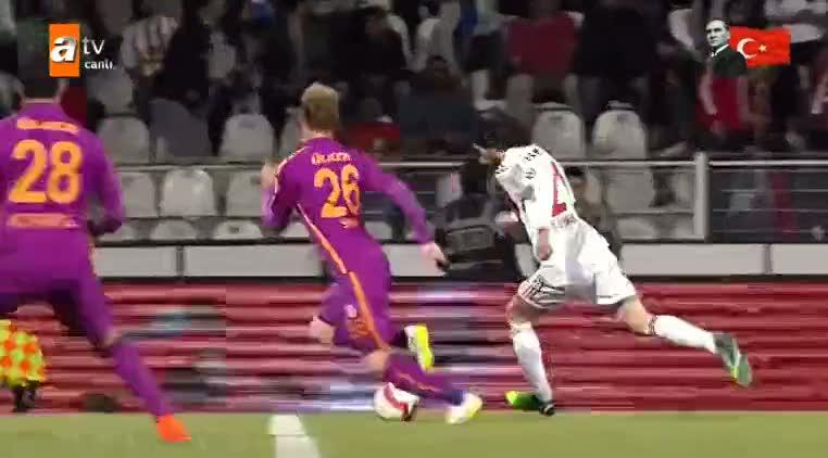 Sivasspor'un penalt� bekledi�i pozisyon