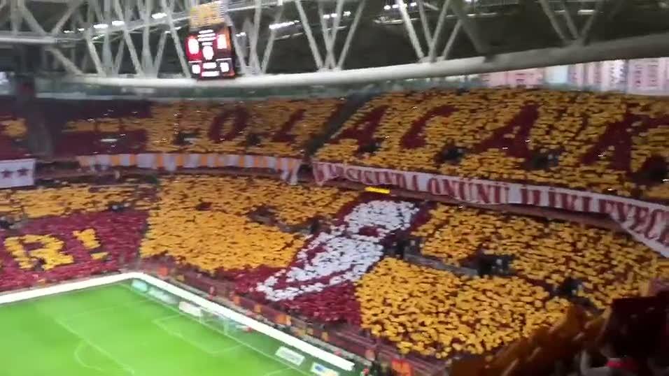 Galatasaray'dan m�thi� koreografi