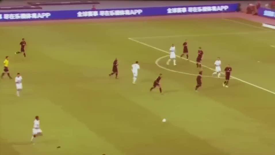 Yine yapt�! Ronaldo'dan estetik pas
