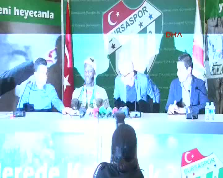 Bursaspor'a Perulu sa� bek: Luis Advincula