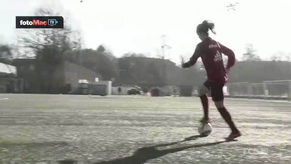 Bayern M�nih'in kad�n oyuncusundan nefis �al�m