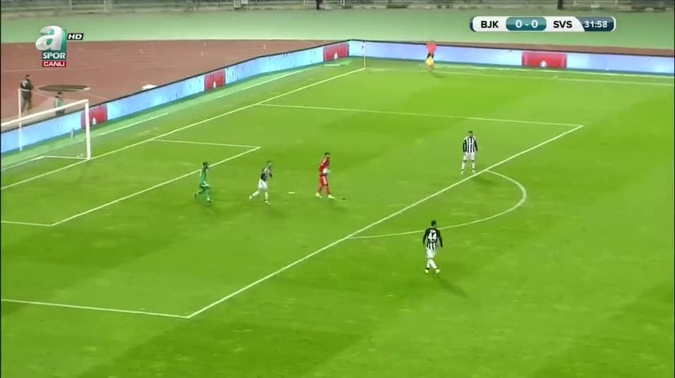 Beşiktaş'a şok! Kırmızı kart ve penaltı