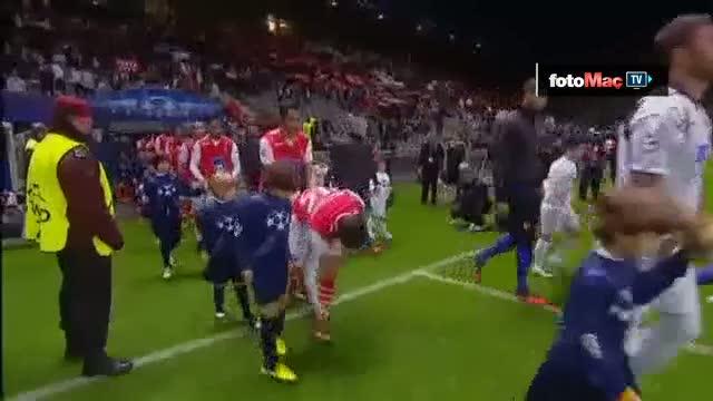 Van Persie'nin Braga'ya att��� gol