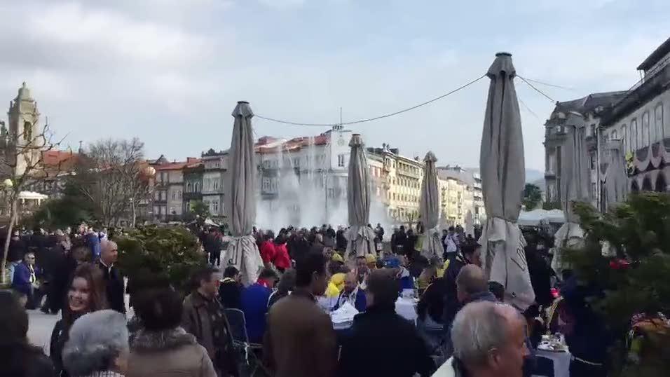 Fenerbah�eli taraftarlar Braga'y� inletti
