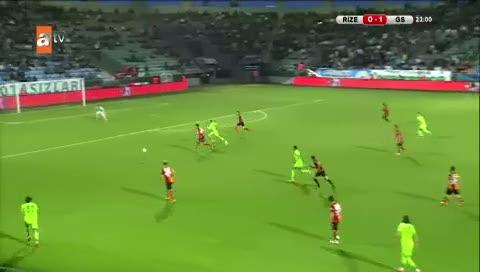 Sneijder 500. ma��n� tamamlayamad�