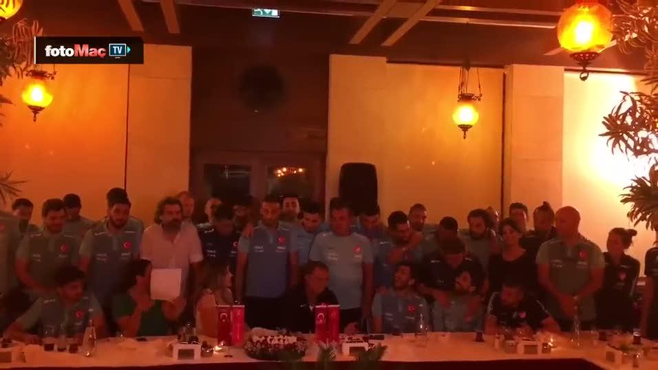 Ayla Çelik'ten Milli Takım şarkısı
