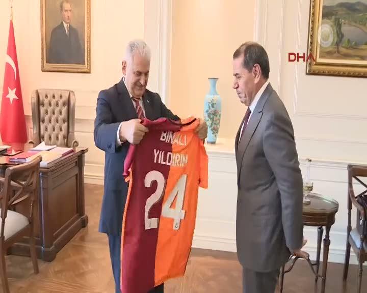 Başbakan Yıldırım, G.Saray Başkanı Dursun Özbek'i kabul etti