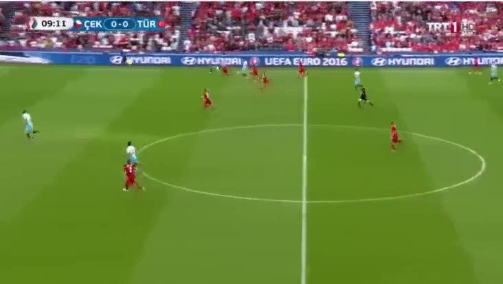 EURO 2016'da ilk gol�m�z Burak'tan