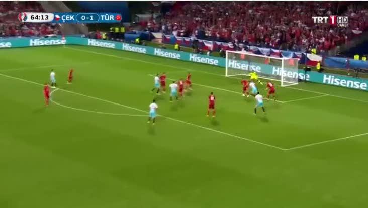 Ozan Tufan'dan T�rkiye'yi aya�a kald�ran gol