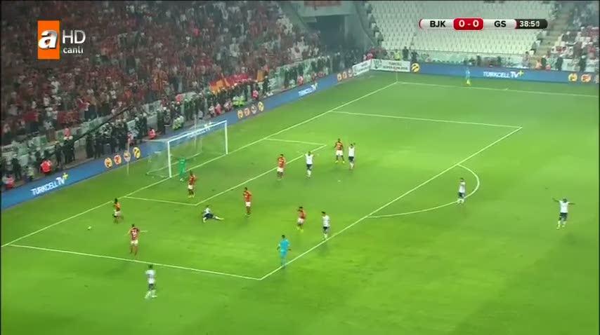 Be�ikta�l�lar�n penalt� isyan�!
