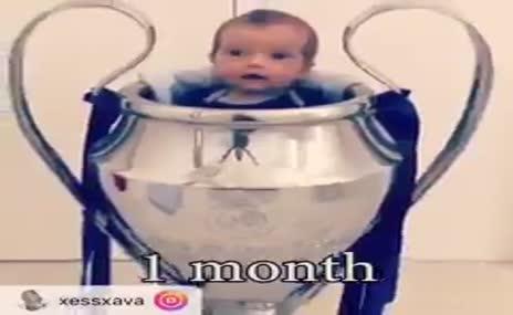 Junior Sneijder, Xess Xava 1 yaşında