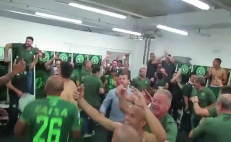 Chapecoense oyuncuları finali böyle kutlamıştı!