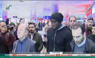 Demba Ba İstanbul'a geldi