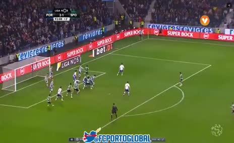 Iker Casillas'tan derbide 90+3'te inanılmaz kurtarış