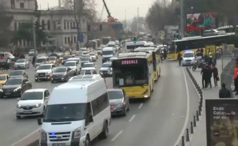 Beşiktaş taraftarı 30 otobüsle TT Arena'ya gitti