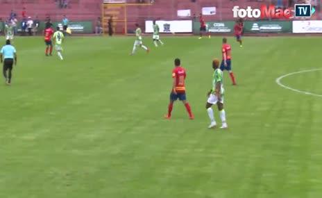Futbolun efsanesi Del Piero'dan muhteşem gol...