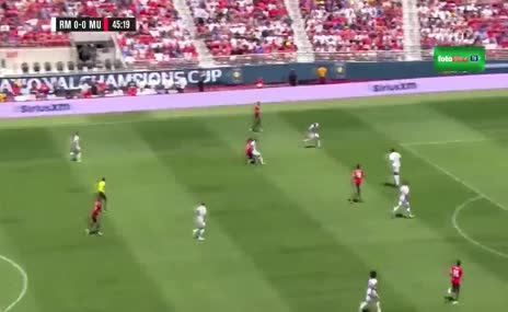 Martial'den R.Madridli futbolculara çalım dersi