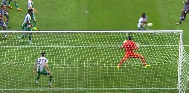 Beşiktaş'ın penaltı beklediği pozisyon